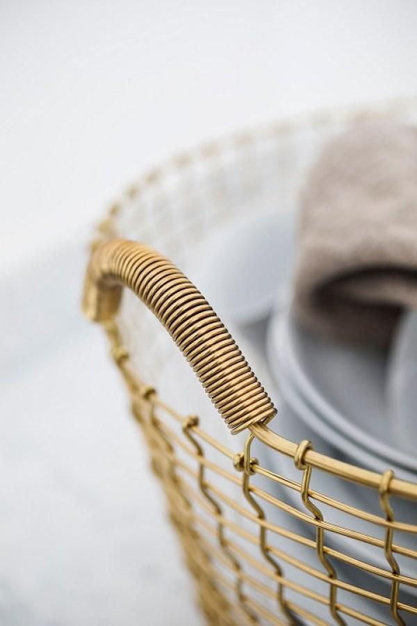 classic-35-brass-porcelain-closeup-korbo-se-photo-daniela-ferro