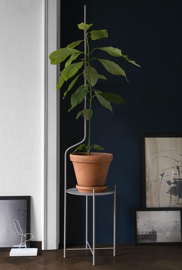 Metalen plantenstandaard voor grote plant met elegant verlengstuk van SUPERLIFE - via Accessorize your Home