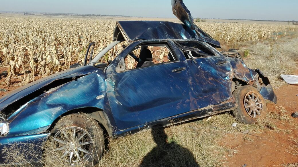 Two killed when ejected from vehicle on the N14 in Ventersdorp