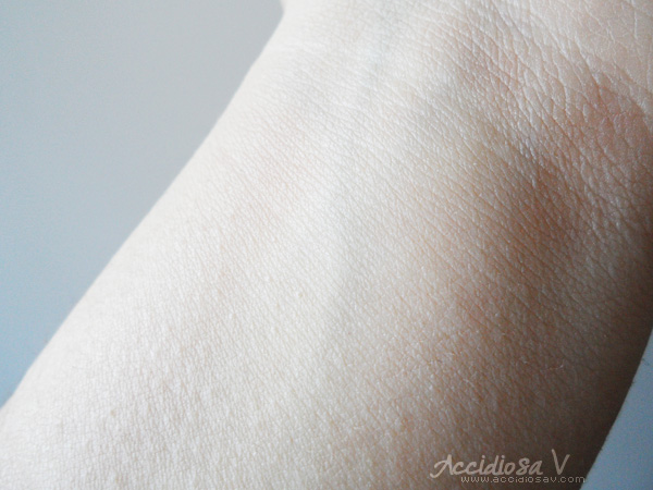 Pupa Professional BB Cream + Primer - Swatch