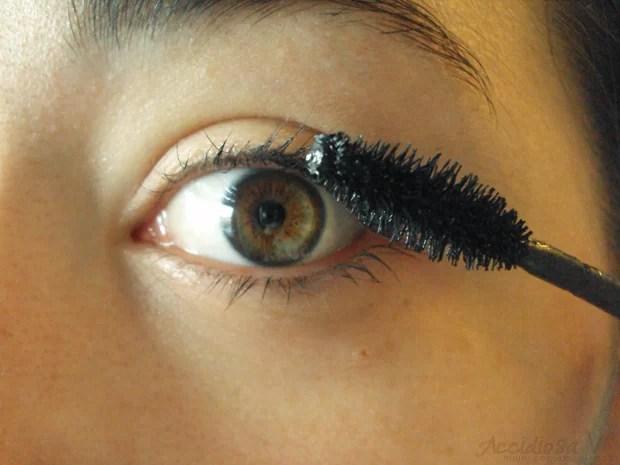 Mascara Maybelline Ciglia Finte Effetto Piuma_Applicazione