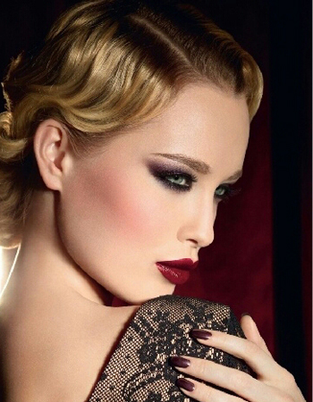 Makeup per capodanno smokey eye e labbra borgogna