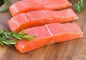 Salmone fresco - Uno dei cibi migliori per evitare l'insorgere dell'acne | AccidiosaV