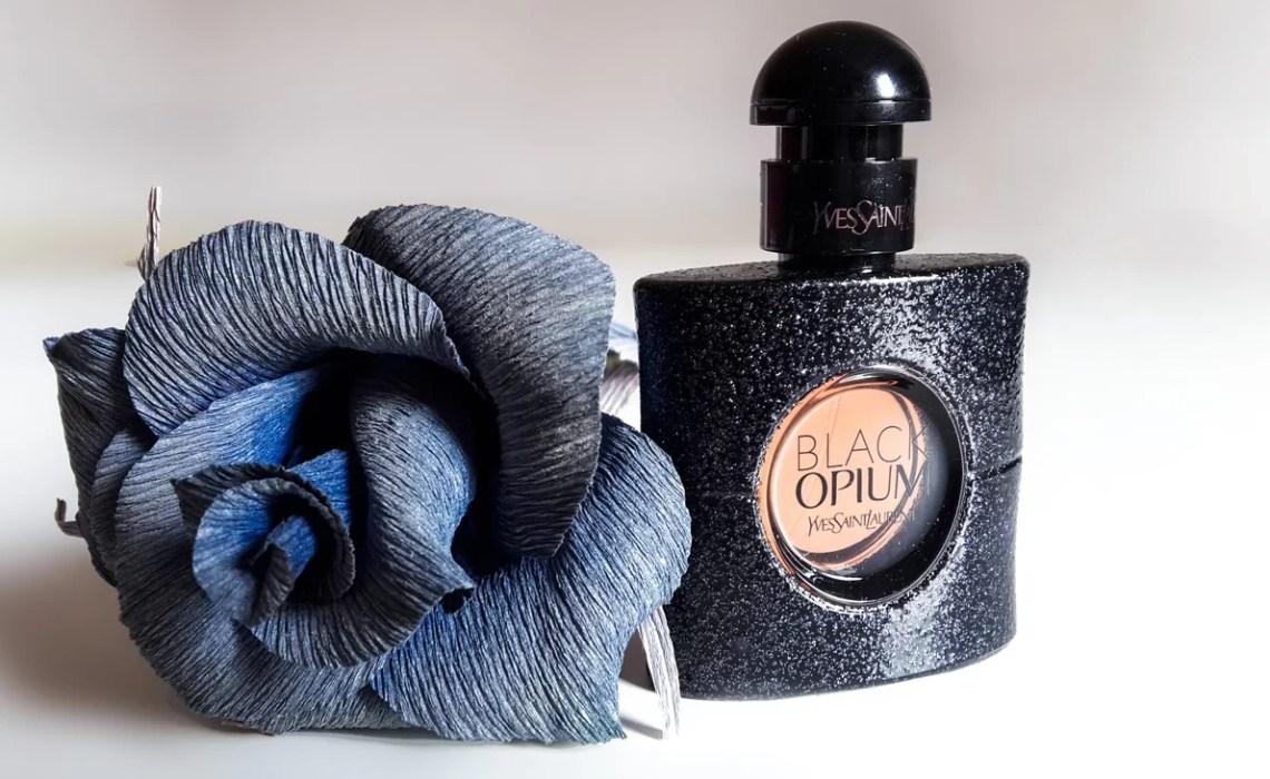 Yves Saint Laurent Black Opium  la seduzione è rock - Accidiosa V 40f04830beb
