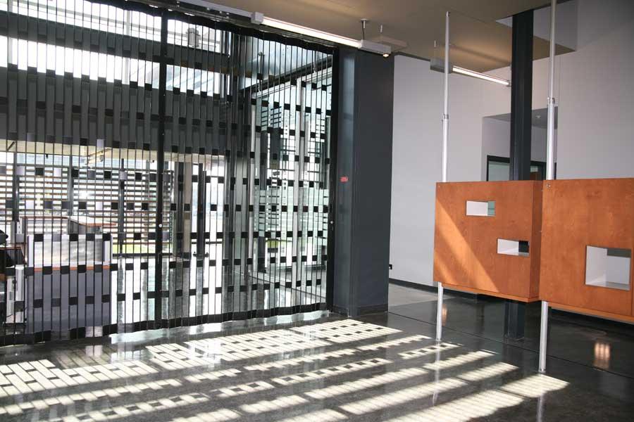 Folding Closures by MobilFlex  AccordionDoorscom