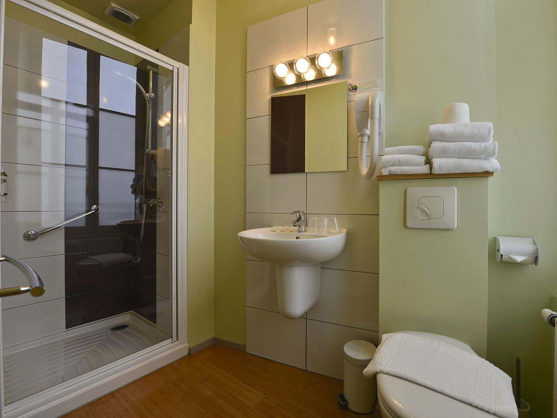 Hôtel Accostage - La Rochelle - Chambre Triple Supérieure - Salle de bain