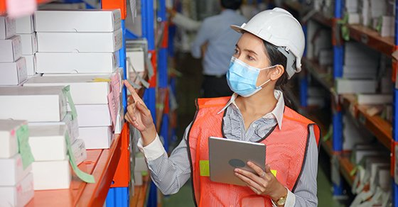 Employee Planning a Good Inventory Management Strategy