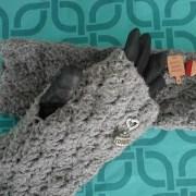 Marie-Ange's ACCROchet fingerless mittens