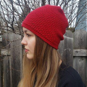 Crossed seams hat