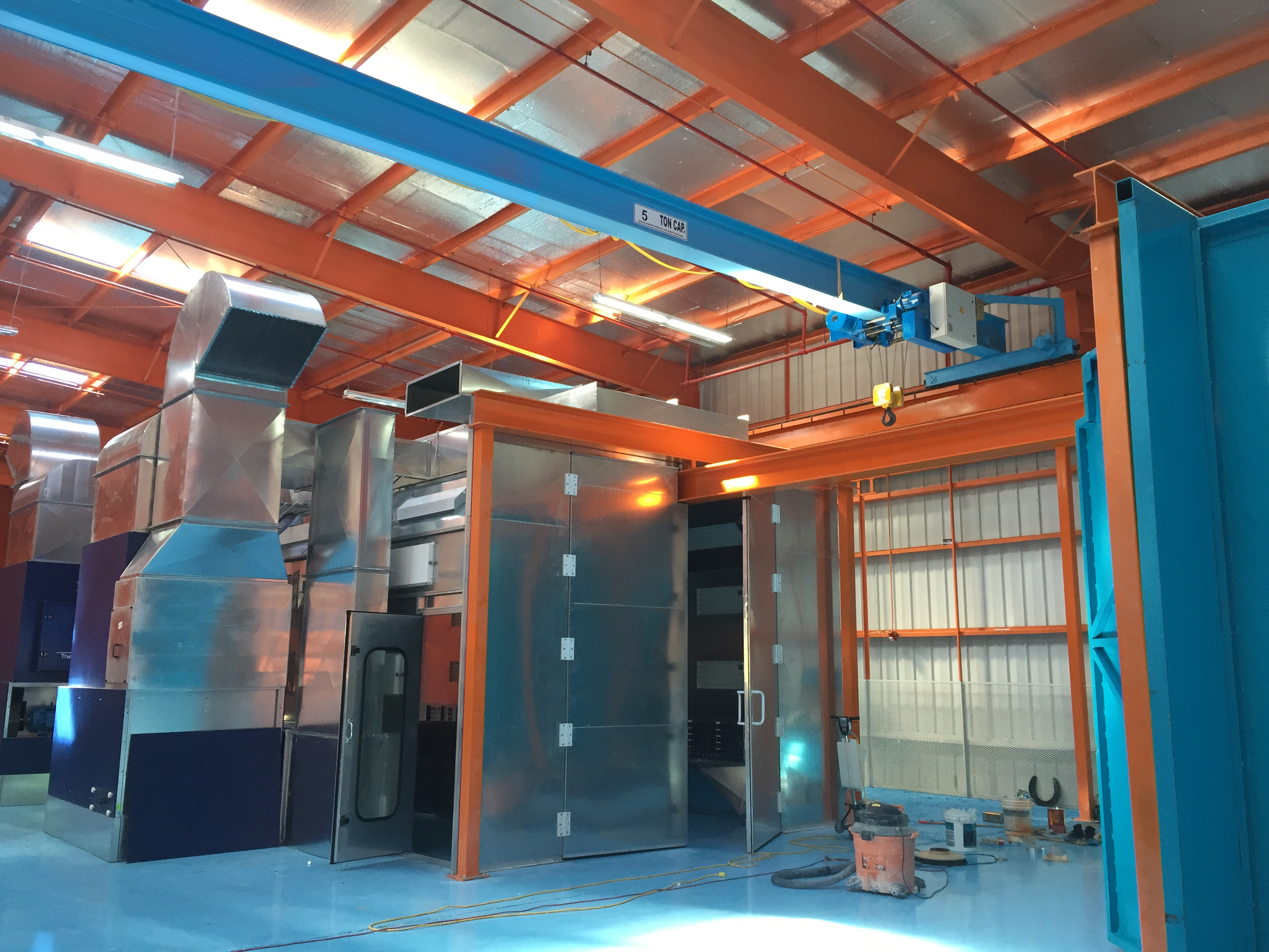 Galvanized Industrial Paint Booth with Crane