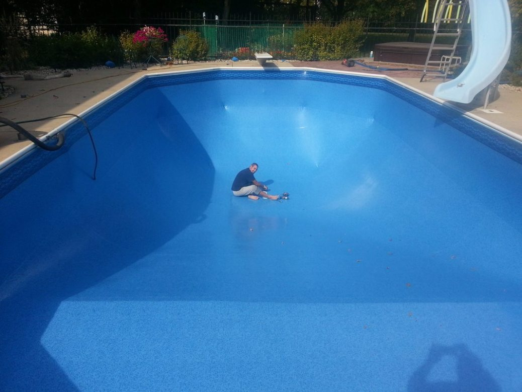 In ground pool vinyl liner replacement in greendale for Inground pool builder