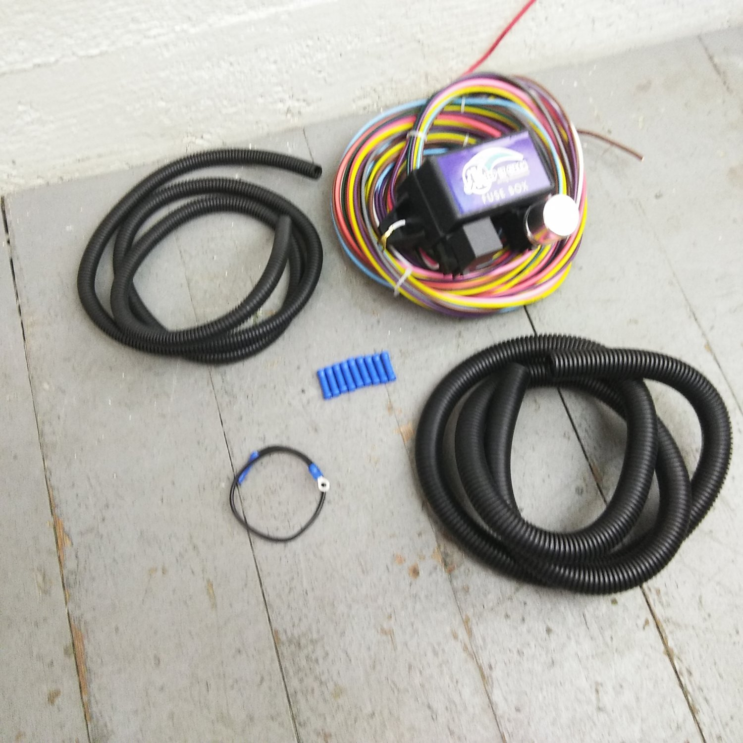 hight resolution of 12v 18 circuit 12 fuse universal wiring harness kit 1949 pontiac12v 18 circuit 12 fuse universal