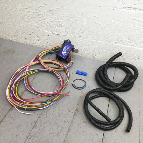 small resolution of 12v 18 circuit 12 fuse universal wiring harness kit mgb kustom 1946 pontiac bar product description c