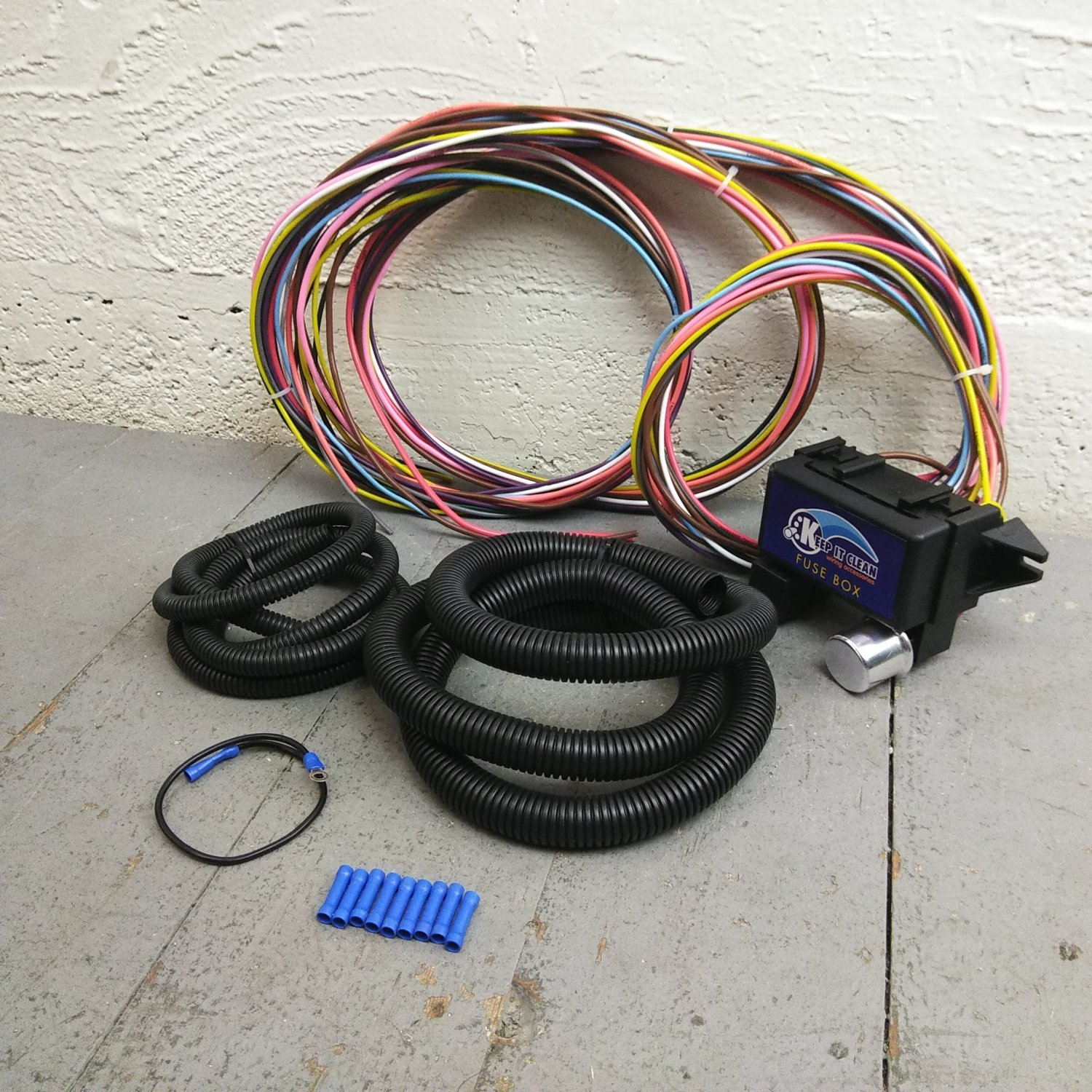 hight resolution of 1936 1950 cadillac ultra pro wire harness system 12 fuse w fuse replace bar product description c