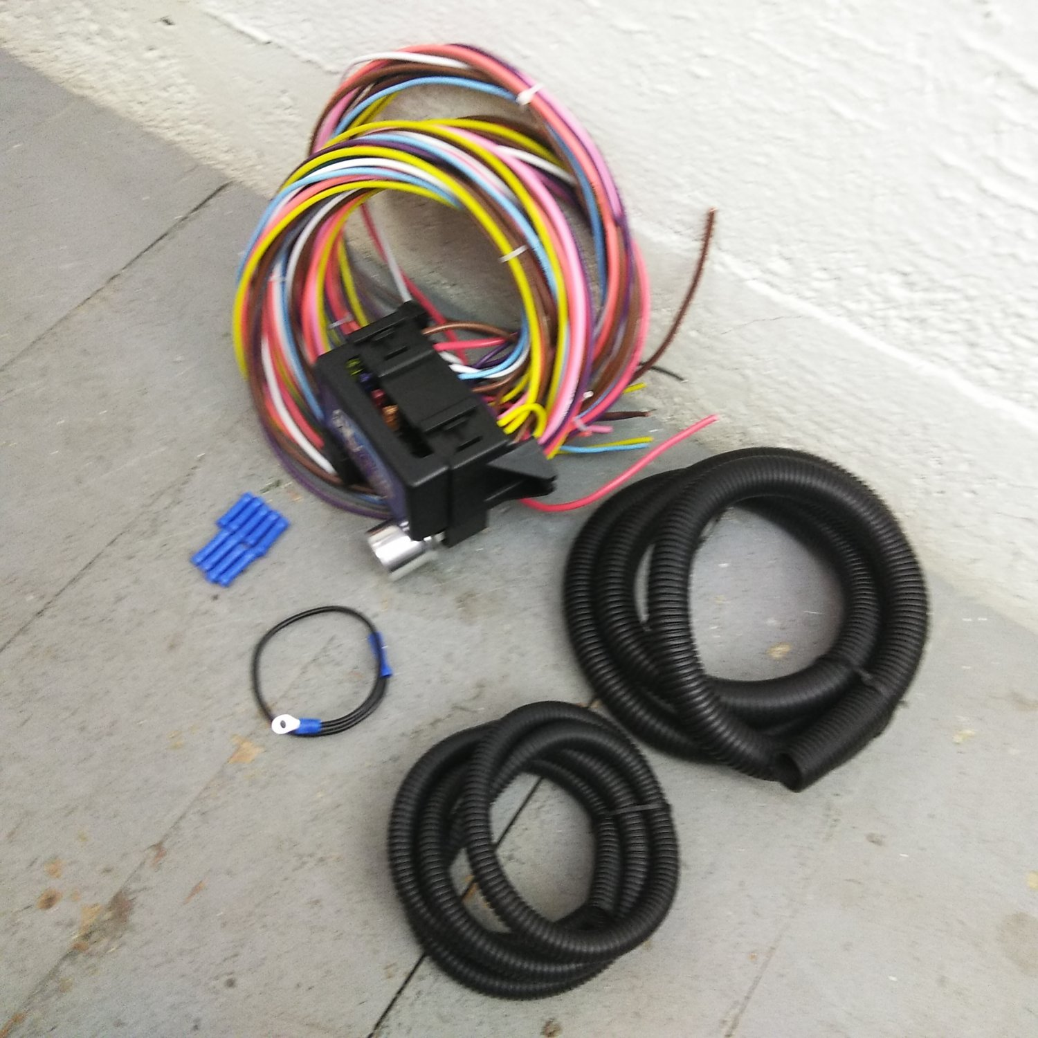 hight resolution of 1931 1938 chevrolet 8 circuit wire harness fits painless fuse terminal new bar product description c