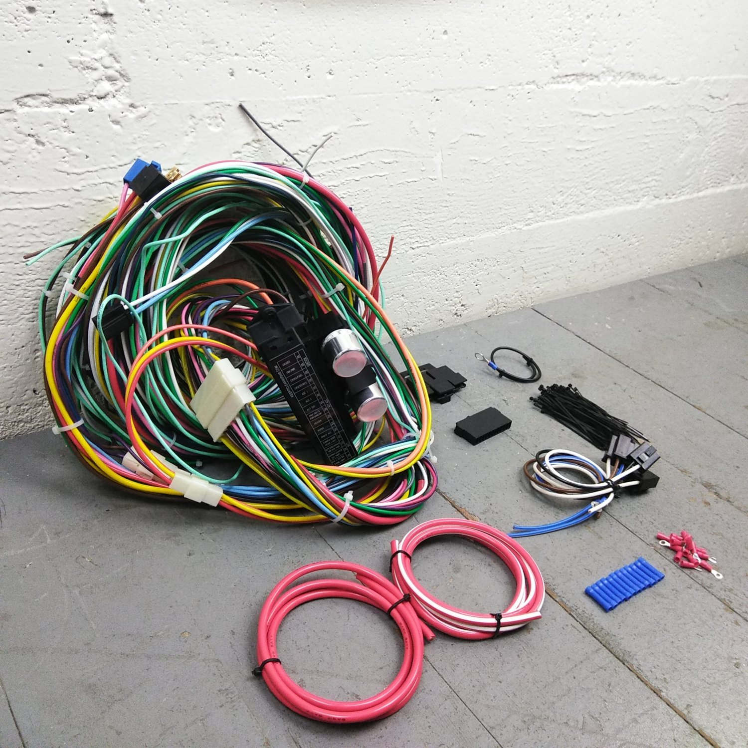hight resolution of 1961 1972 lincoln wire harness upgrade kit fits painless fuse block complete bar product description c