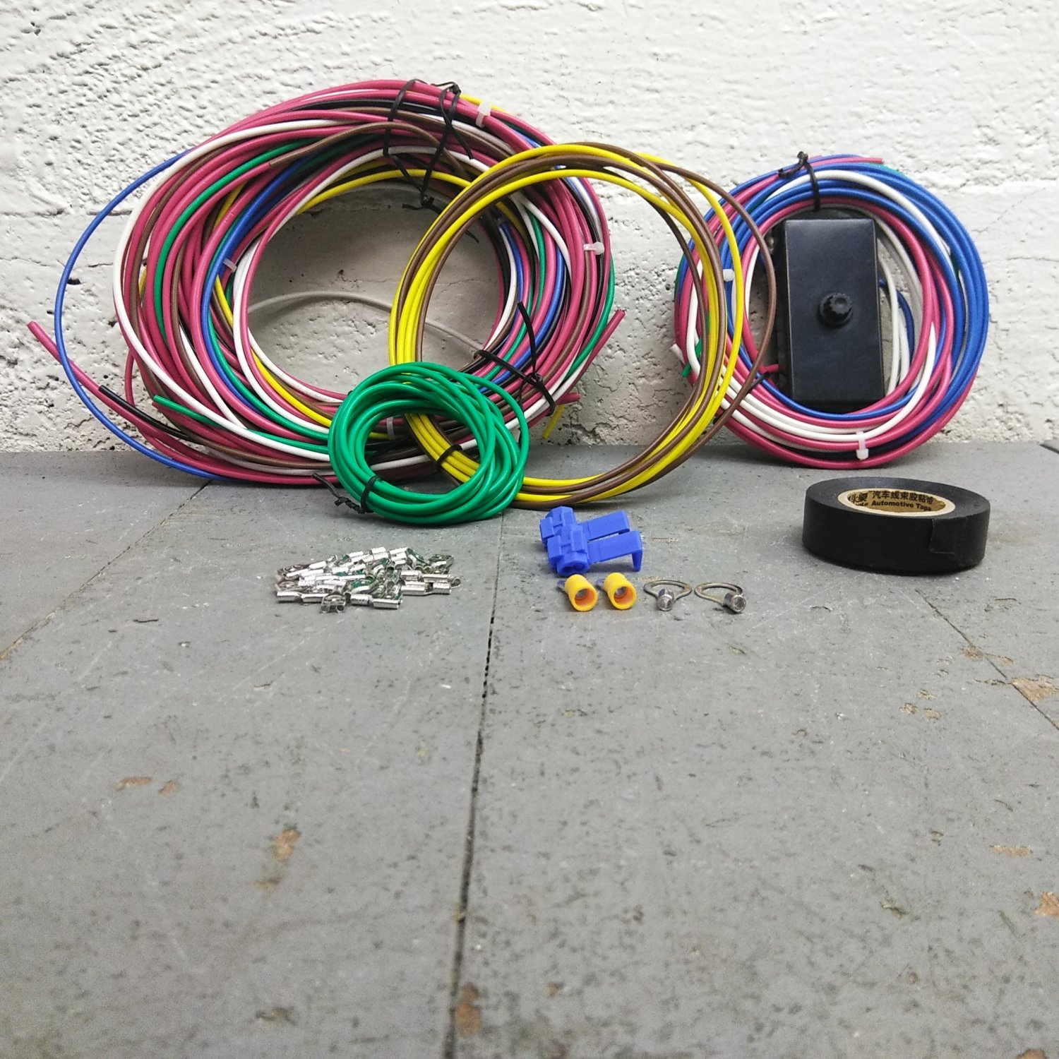 hight resolution of dune buggy universal wiring harness w fuse box fits empi 9466 vw universal wire harness w