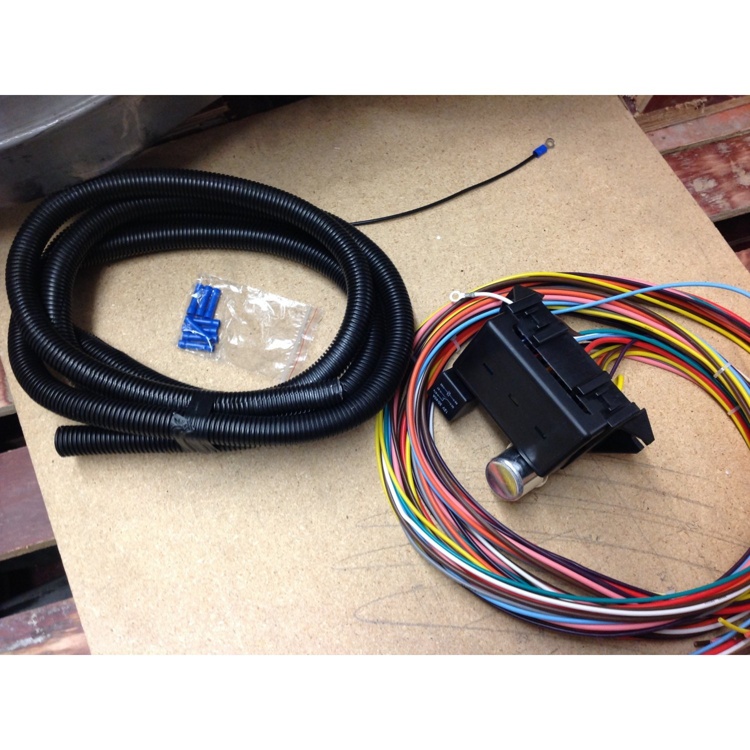 hight resolution of 12v 18 circuit 12 fuse universal wiring harness kit 1956 ford wiring harness repair kit ford