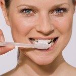 Lavarse los dientes con Aceite de Coco