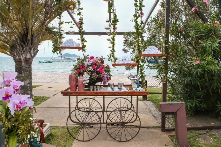 Mesa Sobre Rodas para Casamento