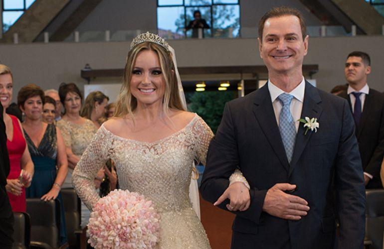 Vestido de noiva bordado Strass