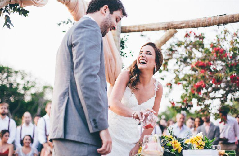 Cerimonia de casamento na praia Joanna e Renan