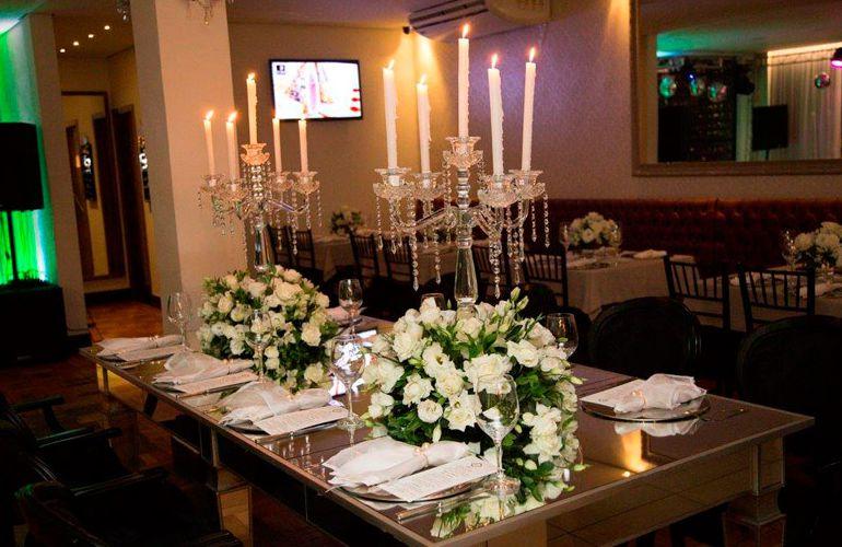 Decoração de Casamento Clássico no Restaurante com Velas