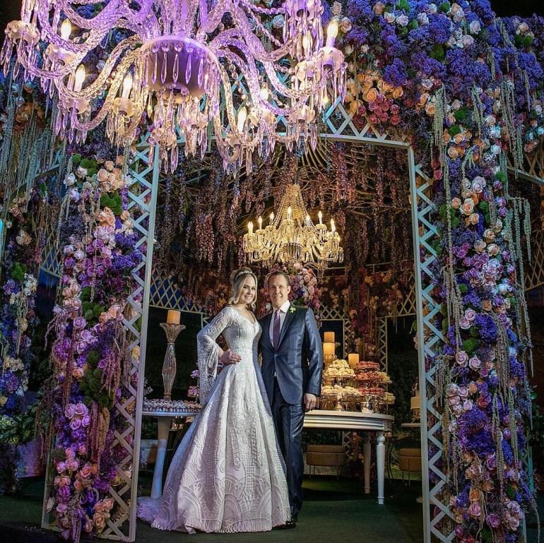 Decoração de casamento ultra violet