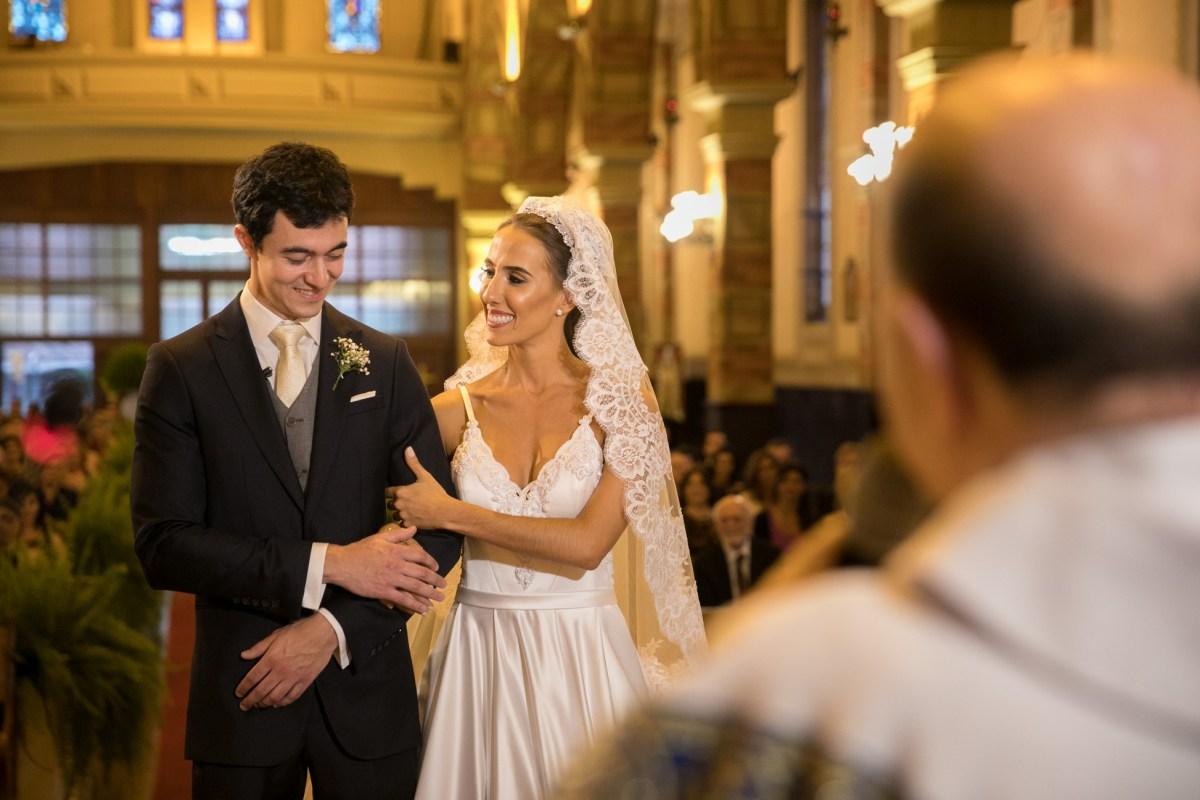 Mantilha de noiva casamento clássico