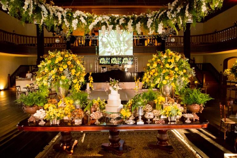 Decoração de casamento amarela e branco