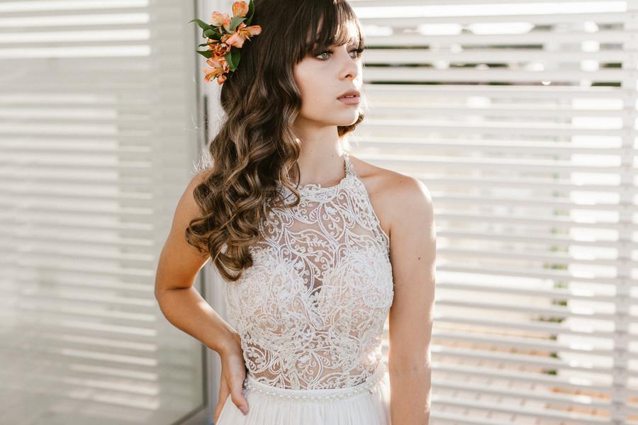 Penteado de noiva com franja cortininha