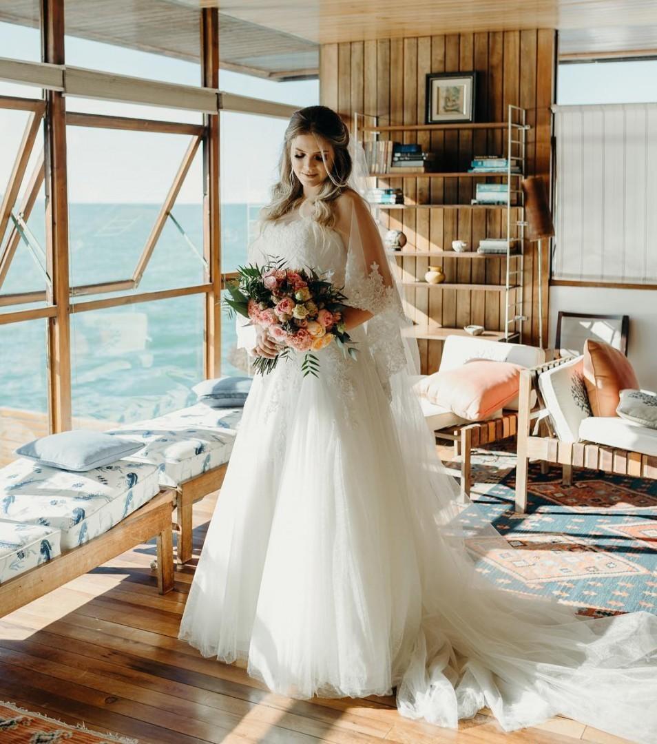 Vestido de noiva com tule | Foto: Sweet Sail Photos