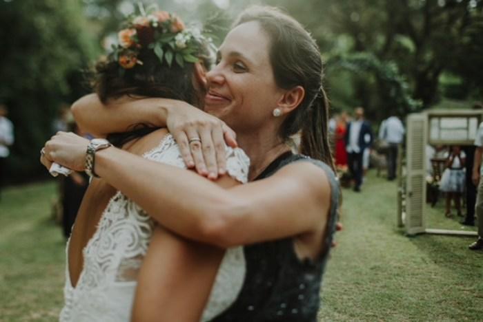 Assessora ajuda com a ansiedade no casamento