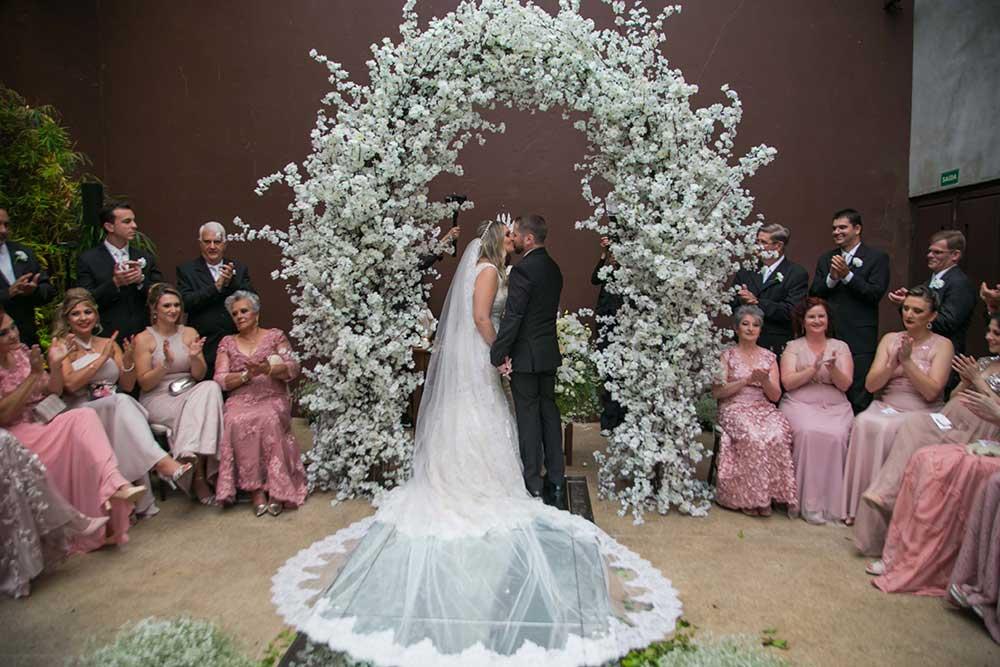 Casamento clássico na Casa Itaim