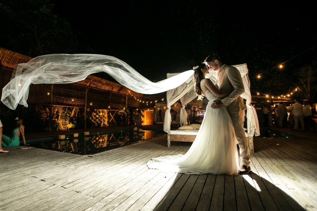 Casamento pé na areia   Foto: Jeff Murakami