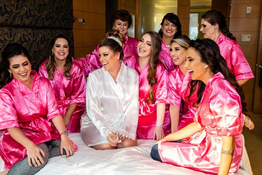Dia da noiva com madrinhas de casamento