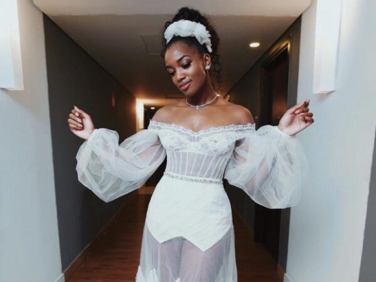 Vestido de noiva com manga bufante da Iza
