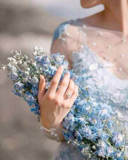 Buquê de flores azul com miosótis