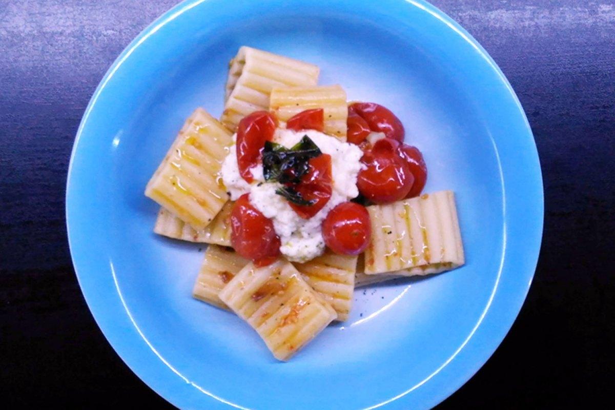 Pasta ai pomodorini e mozzarella