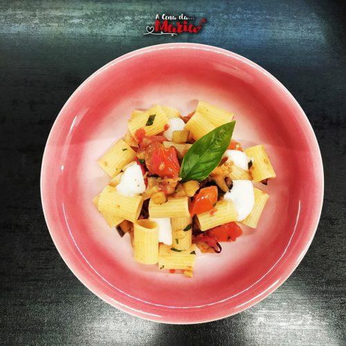 pasta melanzane pomodorini stracciatella