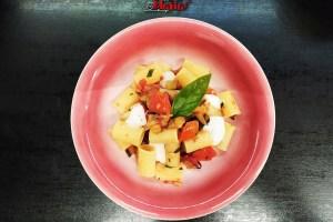 Pasta con melanzane, pomodorini e stracciatella