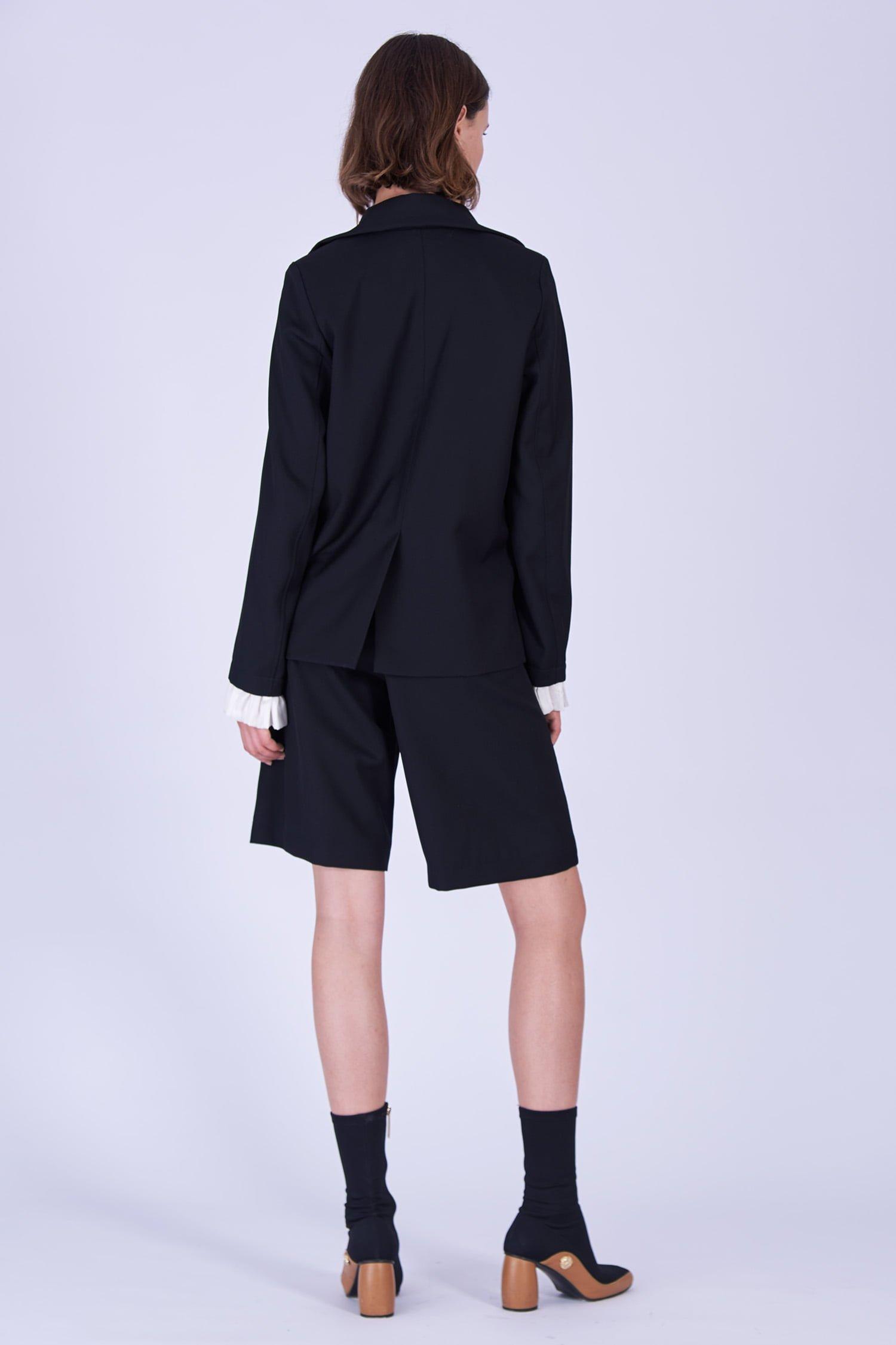 Acephala Fw19 20 Black Jacket Black Shorts Wool Czarna Kamizelka Czarne Szorty Welna Back 2