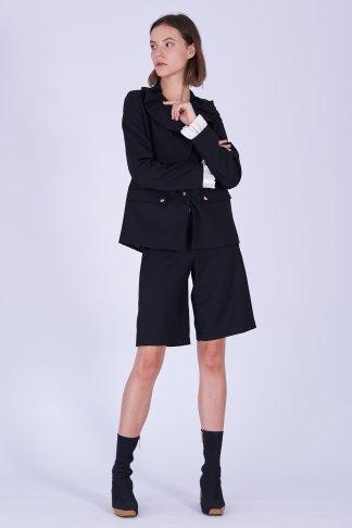 Acephala Fw19 20 Black Jacket Black Shorts Wool Czarna Kamizelka Czarne Szorty Welna Front 3