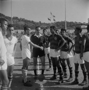 Jogo Final do Campeonato Juvenil: Flamengo x Botafogo, 7 negativos 6x6 cm PB acetato