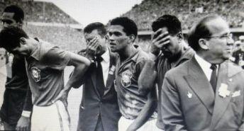 F 04 - 1958 - Brasil campeão do mundo - Gilmar, Orlando,  Joel, Garrincha, Zito e Paulo Machado de Carvalho