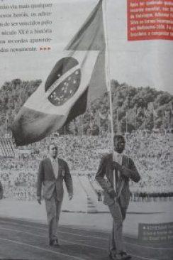 F 02 - 1960 - Ademar Ferreira da Silva - porta bandeira -  olimpíada