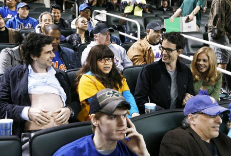 'Ugly Betty' Season 3 Finale Preview: Henry's Back!