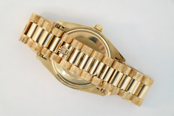 Rolex Day-Date 1803 President Barked Band Diamond Bezel