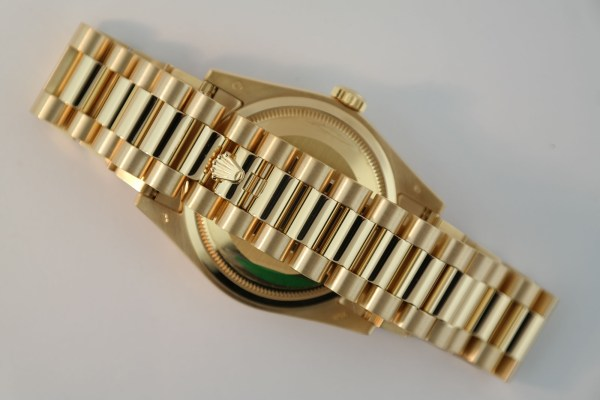 Rolex Day-Date 118238 White Roman Dial 18K Yellow Gold President Box & Papers