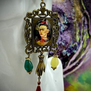 Frida Kahlo earringsFrida Kahlo earrings with crystals